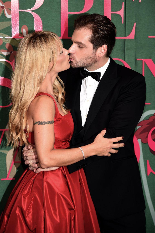 """Michelle Hunziker und Tomaso Trussardi zeigen sich schwer verliebt bei den """"Green Carpet Fashion Awards"""" in Mailand."""