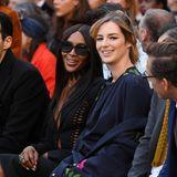 Topmodel Naomi Campbell und die französische Schauspielerin Louise Bourgoin lassen sich die L'Oreal-Show nicht entgehen und schauen sich die neuesten Make-up-Trends entspannt von der Front Row aus an. Ein Event, zu dem Naomi ihre XL-Sonnenbrille partout nicht abnehmen will.