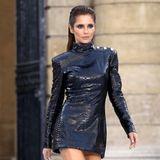 Neben Geri Horner zeigt sich noch eine weitere ehemalige Girlband-Sängerin auf dem Laufsteg: Cheryl Cole. Berühmt wird sie mit Girls Aloud – anschließend folgt eine Solo-Karriere. Auch als Model macht die 36-Jährige eine gute Figur.