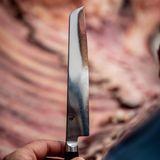 Brain, Body & Soul: Ausgestattet mit sehr guten Profi-Messern von kai Europe machen sich die Gäste beim BEEF-Workshop unter Leitung von Jan Spielhagen (G+J) ans Zerlegen des Wagyu-Rinds.