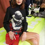 Fashionista Alexa Chung darf in der Front Row von Valentino natürlich nicht fehlen.