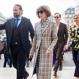 Die Grand Dame der internationalen Modeszene ist da! Vogue-Chefredakteurin Anna Wintour kommt pünktlich zur Modenschau von Stella McCartney.