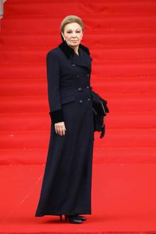Auch die ehemaligeiranische Kaiserin Farah Diba ist zu der Trauerfeier gekommen.