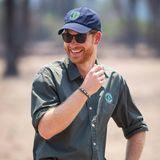 Prinz Harry + Herzogin Meghan: Auch Harry macht bei seinem Alleingang in Malawi eine gute Figur. Im Liwonde Nationalpark begleitet er eine Anti-Wildererei-Übung, die von ansässigen Rangern zusammen mit dem britischen Militär durchgeführt wird.