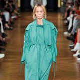 Amber Valetta läuft für Stella McCartney auf der Pariser Fashion Week und präsentiert die Trends der nächsten Kollektion fürSpring/ Summer 2020.