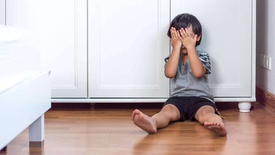 Erschreckend: Mutter macht Horror-Fund im Ohr ihres Sohnes