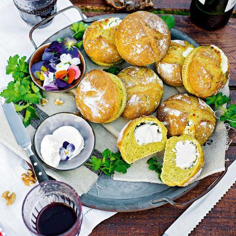 Gourmet: Herbst-Happen: So backen Sie knusprige Weinbegleiter