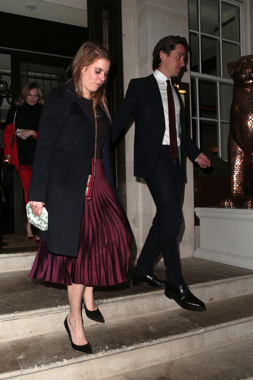 15. April 2019  Beatrice und Edoardo besuchen ein Restaurant für ein romantischesAbendessen.