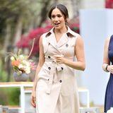 Ihre Kleiderwahl ist eine schöne Geste, wählte sie das Kleid damals im Juli 2018 ebenfallsbeim Besuch der Nelson Mandela Centenary Exhibition. Das Modell stammt vom kanadischen Label Nonie und steht der 38-Jährigen ausgezeichnet.