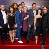 """Jan Josef Liefers und der Cast der Serie""""Arthurs Gesetz"""" zeigen sich gemeinsam auf dem Red Carpet in Köln."""