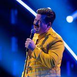 Chris Tall gibt als Freddie Mercury alles.