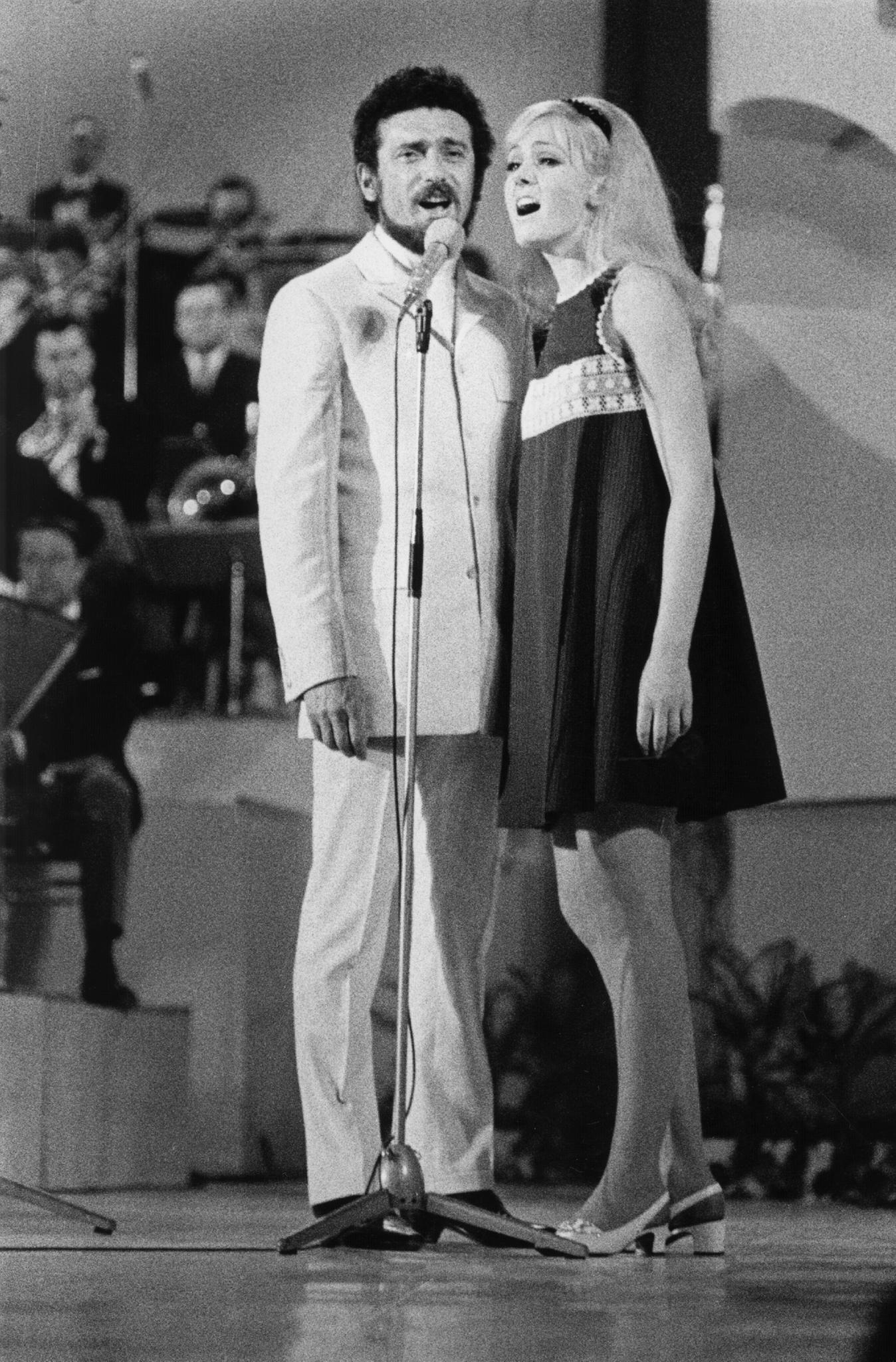 Helena Vondráčková mit Waldemar Matuškaim Jahr 1968