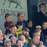 5. Oktober 2019  Gebannte Blicke von George, William, Kate und Charlotte auf das Spielfeld: Die Royals fiebern im Stadion in Norwich mitihrem Lieblings-Fußballverein Aston Villa. Insbesondere Prinz George hüpft vor Freude auf und ab - und wird mit Sicherheit bald ein genau so großer Fußballfan wie sein Vater.