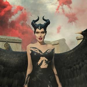 Angelina Jolie alsMaleficent