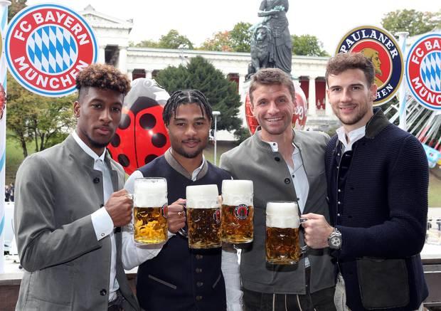 Oktoberfest 2019: Den krönenden Abschluss des Oktoberfestes bildet das Treffen der FC Bayern München Fußballjungs. Mit dabei sind Kingsley Coman, Serge Gnabry, Thomas Müller und Leon Goretzka.