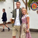 Oktoberfest 2019: Torwart Manuel besucht zusammen mit Frau Nina das Oktoberfest.