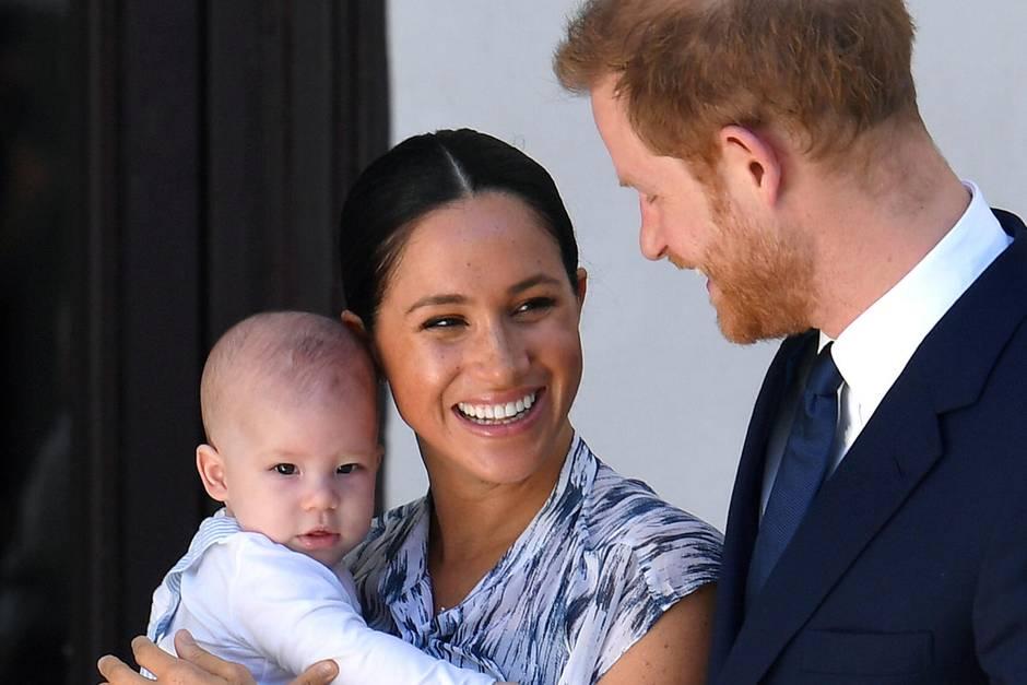Archie, Herzogin Meghan +Prinz Harry