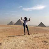 8. Oktober 2019  Was für ein Anblick! Adriana Lima besucht die Pyramiden von Gizeh. Das Topmodel macht überall eine gute Figur –da wird selbst die Wüste zum Laufsteg.