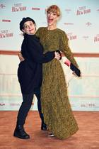 9. Oktober 2019  Auch die Schauspielerinnen Heike Makatsch und Anna Thalbach feiern kräftig mit.