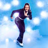 """Nadine Angerer, 40  Als Fußballweltmeisterin und Spitzensportlerin bringt Nadine die nötige Audauer mit. Doch anders als auf dem Fußballfeld steht sie bei """"Dancing on Ice"""" ohne ihre Mannschaftskollegen auf dem Eis. Nun muss sie zeigen, dass sie auch alleinerfolgreich sein kann."""