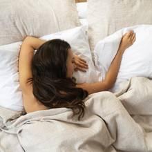 Untenrum frei: Wieso Sie nachts auf Unterwäsche verzichten sollten