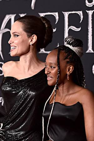 """Bei der Premiere von """"Maleficent"""" trug Zahara schon Ohrringe und einen Armreif aus ihrer Kollektion."""