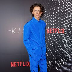 """Timothée macht blau: Der """"The King""""-Star feiert die Sydney-Premiere seinen neuen Films im seidigen Anzug von Haider Ackermann."""