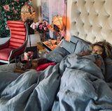 11. Oktober 2019  Auch eine Power-Frau haut es mal um: Heidi Klum muss den Tagmit Fieber im Bett verbringen. Aber keine Sorge –von Tom wird sie sicherlich mit Liebe und viel Wasser umhegt.