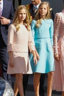 12. Oktober 2019  Wunderschön strahlen Prinzessin Sofia und Prinzessin Leonorin bonbonfarbenen Kleidchen zum spanischen Nationalfeiertag.