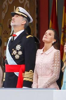 12. Oktober 2019  Im Rahmen der Feierlichkeiten zum traditionellen Nationalfeiertagbesuchen König Felipe und Königin Letizia mitihren Töchterndie Parade in Madrid.