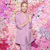 Pretty in Pink: Influencerin Leonie Hanne feiert gemeinsam mit Pomellato auf einer Pink Party. An den Dresscode hat sich die erfolgreiche Blondine gekonnt gehalten, eleganter Schmuck rundet ihren coolen Look ab.