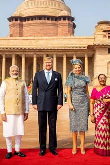 """14. Oktober 2019  Mitmilitärischen Ehren werden Königin Máxima und König Willem-Alexandervom Premierminister Modi, dem PräsidentenRam Nath Kovind und dessen FrauSavita im prachtvollen Präsidentenpalast Rashtrapati Bhavan, dem """"Haus des Präsidenten"""" empfangen."""