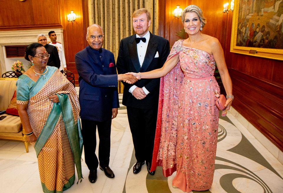 14. Oktober 2019  Am Abend sind der König und die Königin zu einem Staatsbankett bei Präsident Ram Nath Kovind im Präsidentenpalast zu einem Staatsbankett geladen. Danach heißt es erst einmal: ausruhen nach einem langen Tag voller Termine.
