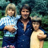 1. März 1976  Seiner Ehe mit Panjaentstammen seine Tochter,Sängerin und Schauspielerin Jenny Jürgens (geb. 1967), sowie sein Sohn John (geb. 1964).
