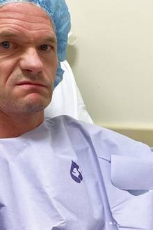 Das Souvenir, das sich Neil Patrick Harris aus dem Kroatien-Urlaub mitgebracht hat, war nicht so angenehm. Nachdem der Schauspieler in einem Seeigel gelandet ist, hat sich ein hartnäckiger Stachel in seiner Hand entzündet, der nun operativ entfernt werden musste.