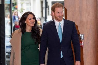 Knapp zwei Jahre nach seinem ersten großen Auftritt durfte Herzogin Meghans grünes Kleid von P.A.R.O.S.H. erneut auf denroten Teppich. Bei den Well Child Awards in London lässt sie die Emotionen des besonderen Tages wieder aufleben.