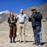 16. Oktober | Tag 3  Experte Dr. Furrikh Bashir klärt William und Kate auf einem geschmolzenen Gletscher über die Auswirkungen des Klimawandels auf.