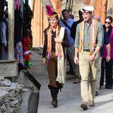16. Oktober | 3. Tag  Der zweite Termin des Tages führt Kate und Williamin ein Dorf am Hindukusch, das 2015 durch Schmelzwasser eines Gletschers stark beschädigt wurde. Sich ein Bild von den Auswirkungen des Klimawandels zu machen gehört zu einem der Punkte auf der Agenda der Royals in Pakistan.