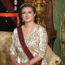 15. Oktober 2019  Endlich sehen wir die Erbgroßherzogin mal wieder: Stéphanie von Luxemburg lächelt beim Empfang des belgischen Königspaares in die Kamera.