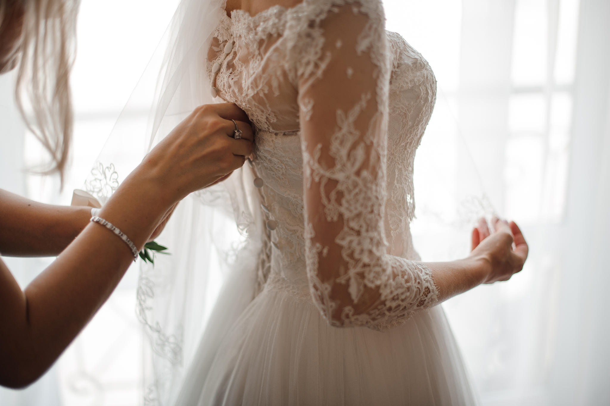 Braut Gemma legte an ihrem großen Tag eine große Veränderung hin (Symbolbild).