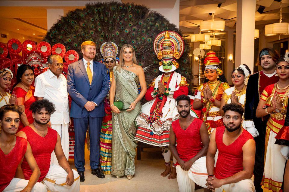 17. Oktober 2019  Beim feierlichen Dinner mit den Behörden des Kerala Staats neigt sich der Tag dem Ende zu.Königin Máxima glänzt dabei wunderschön in einem traditionell indischenSari.