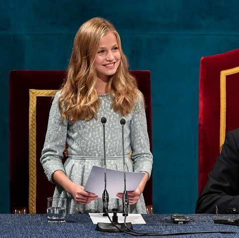 Prinzessin Leonor mit Papa König Felipe und Mama Königin Letizia von Spanien bei den Prinzessin-von-Asturien-Preisen 2019.