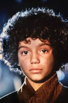 """1985 wurde die lockenköpfige Radost Bokel mit ihrer Titelrolle als """"Momo"""" in der Verfilmung des gleichnamigen Kinderbuchklassikers von Michael Ende weltberühmt. Weitere große Kinorollen blieben danach aus, dafür spielte sie kontinuierlich in diversen Fernsehserien mit."""