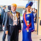 Für die Zeremonie hat sich Kronprinzessin Victoria in eine wunderschöne blaue Robe geworfen.