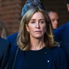 """Felicity Huffman bekennt sich im """"College Skandal"""" schuldig"""
