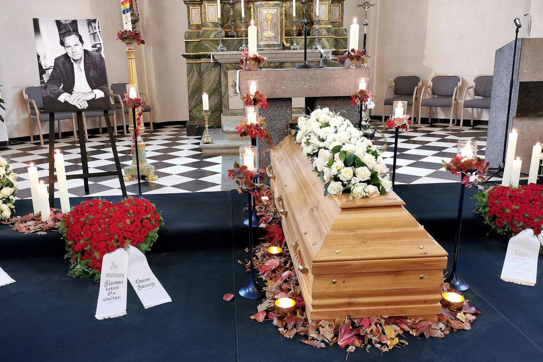 Die Trauerfeier von Verleger Hendrik te Neues fand in der Kirche St. Mariä Himmelfahrt in Lohmar-Neuhonrath statt.