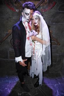 Auch Reality-TV-Star Domenico de Cicco und Freundin Julia geben ein schaurig-schönes Paar ab.