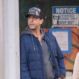 21. Oktober 2019  Lässig lehnt Schauspieler David Schwimmer an der Ampel bevor er seinen Spaziergang durch New York fortsetzt.