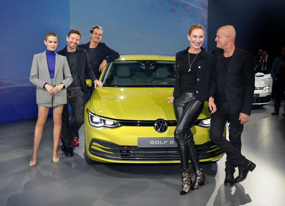 """24. Oktober 2019  Emilia Schüle, Oliver Berben, Max von Thun, Andrea Sawatzki und Christian Berkel feiern in Wolfsburg die Weltpremiere des neuenVolkswagen """"Golf 8""""."""