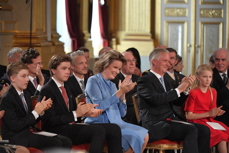 Mit ihrer Rede begeistert Elisabeth nicht nur ihre Eltern und Geschwister.